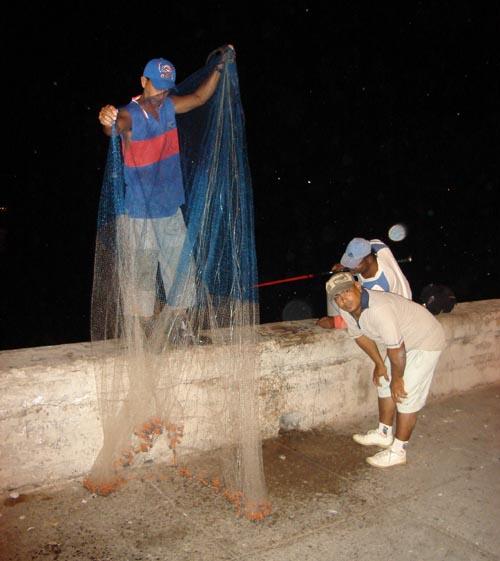 Poye pe Malecon Cuba Havana